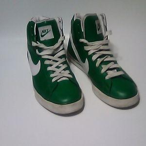 BRS Nike size 9.5